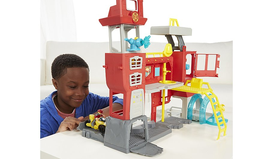 Playskool Heroes Transformers Griffin Rock Firehouse