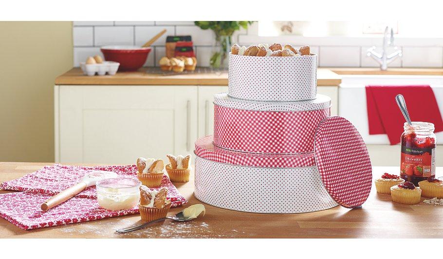 george home set of 3 red cake tins home garden. Black Bedroom Furniture Sets. Home Design Ideas