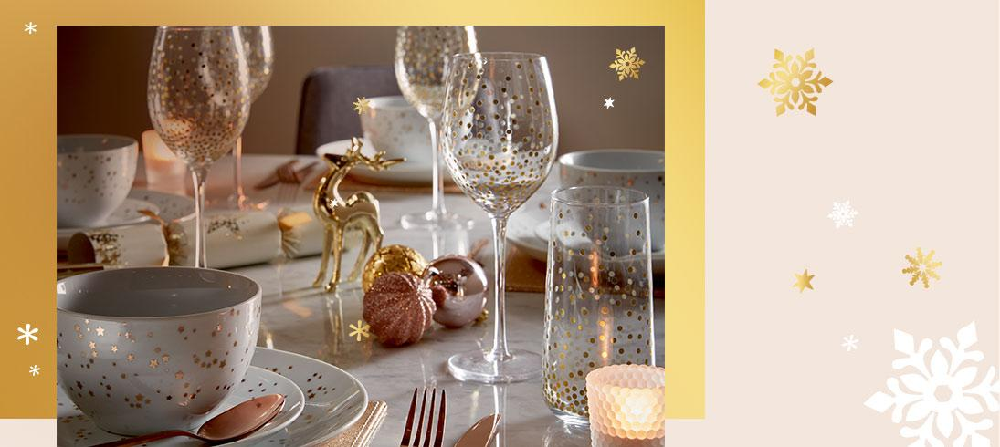Prep for Christmas dinner with our festive dining sets