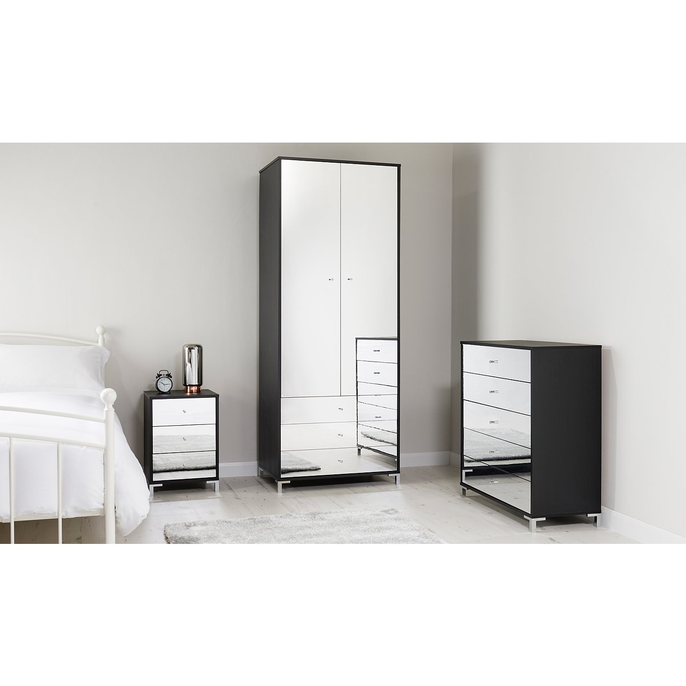 Mirrored Bedroom Furniture Uk Shona Bedroom Furniture Range Black Oak Effect And Mirror Effect