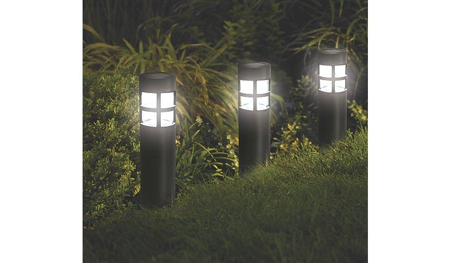 White Lighthouse Solar Powered Lights Set Of 4