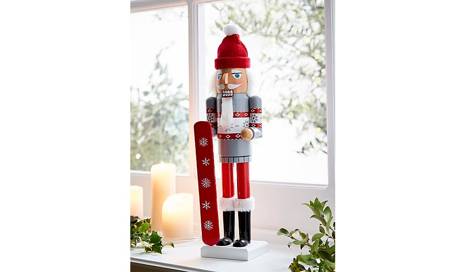 red nutcracker christmas decoration