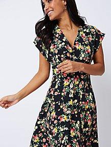 1d9d34c4d8c2 Black Floral Tea Dress
