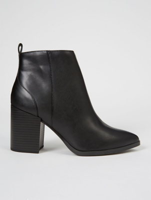 Black Pointed Stack Heeled Chelsea Boots