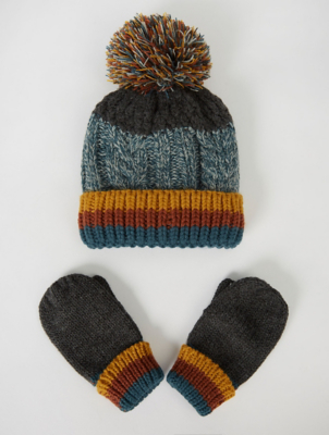 Green Cable Knit Bobble Hat and Mittens Set