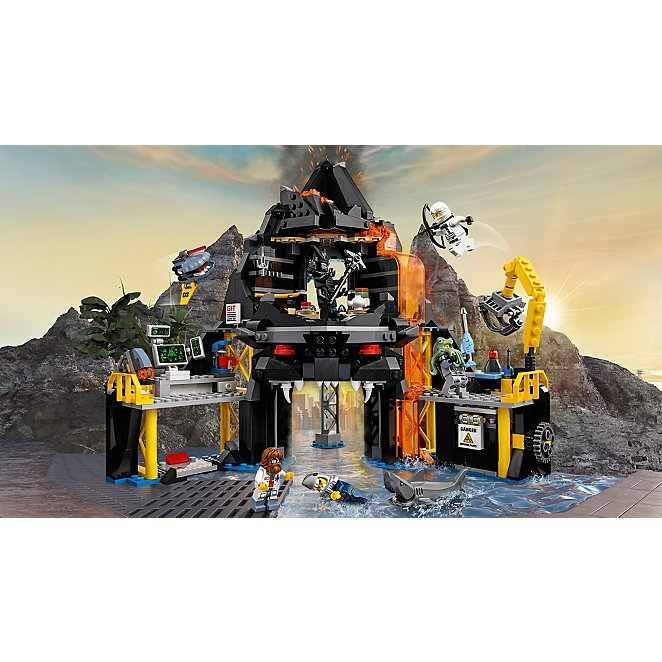 LEGO Ninjago - Garmadon s Volcano Lair - 70631  251d1fcc8