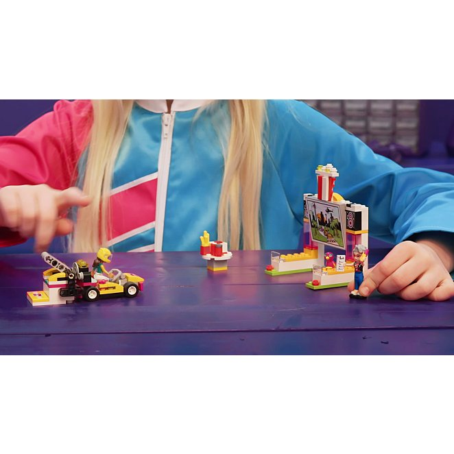LEGO 41349 Friends Heartlake Drifting Diner Toy