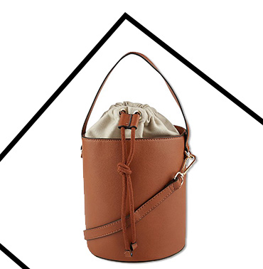 This stylish and practical tan bucket bag has enough space for your essentials and much more