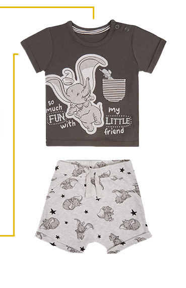 Days of play are so much fun with Disney friends and this gorgeous Dumbo outfit