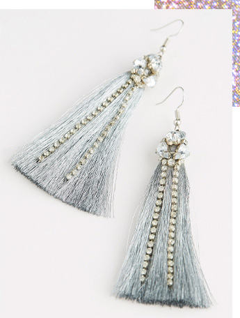 These beautiful earrings feature a cluster of diamantés and matching drop chains