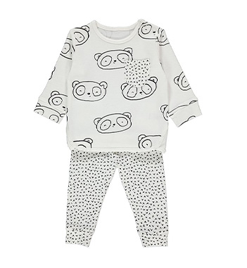 Make day to day dressing a breeze with this top and leggings outfit with cute bears on the top