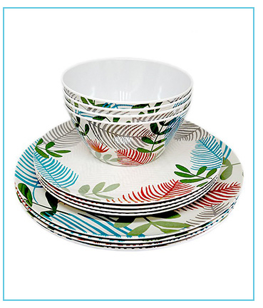 Serve up snacks and picnic food with stylish dinnerware
