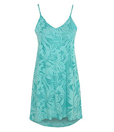 Look chic in a green beach dress