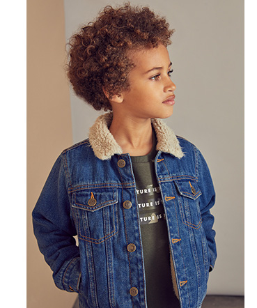 This blue denim jacket will be a true win all year round
