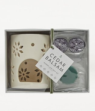 Cream snowflake laser cut burner and melt set.