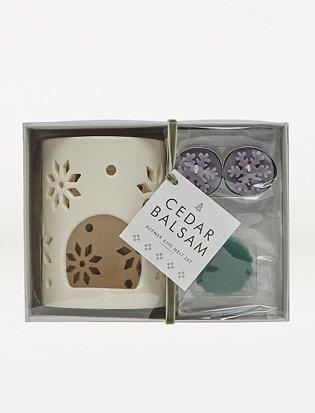 Cream snowflake laser cut Cedar Balsam burner and wax melt set.