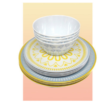 Ensure fuss-free mealtimes with our picnic plates and bowls