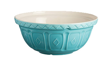 Made from chip-resistant earthenware, this mixing bowl has a patterned exterior that helps grip the bowl