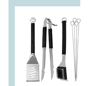 Featuring one spatula, tongs, grill brush and four skewers, these BBQ utensils are the perfect essential