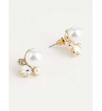 Accessorise your look with these pearl stud earrings, finished with small diamanté details