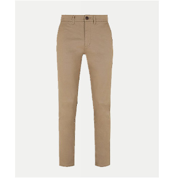 These light brown chinos are slim in fit and come with pockets and a button for easy wear