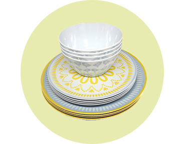 Your picnics are about to get even more stylish thanks to this Lemon Soul picnic set