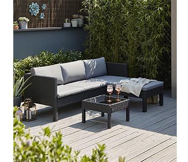 Transform your garden with a stylish sofa set