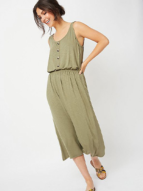 This khaki mock button midi dress features a scoop neck and stretchy waistband for added comfort