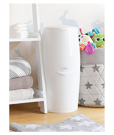 Throwing away nappies and wipes is easy with this disposal system