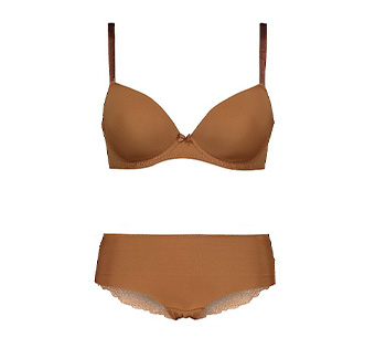 Matching nude bra and short knickers set