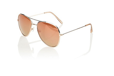 Accessorise your summer looks with these stunning mirrored aviator glasses with rose gold tone