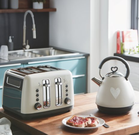 Heart Print Kettle & Toaster