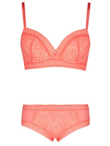 Entice Lace T-Shirt Bra & Shorts