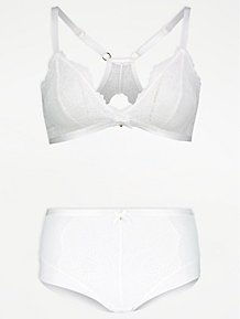 d545c31e47b Entice Ivory Lace Bridal Bra and Short Knickers Set
