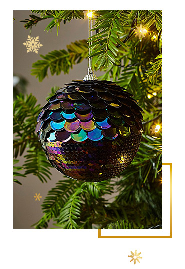 Let your home sparkle. Shop Christmas tree baubles