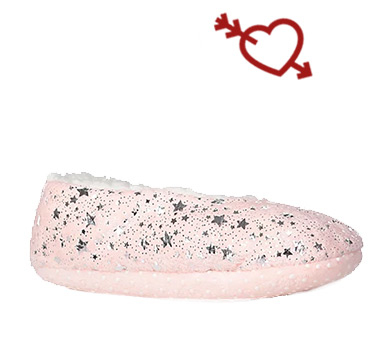 These pink star print fleece slippers have borg fleece lining to keep toes extra snug
