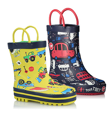 Wellies are the perfect protection for tiny feet against rain, leaves and mud