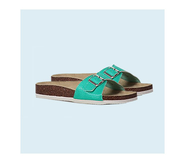 If you're looking for summer footwear trends, you've come to the right place. Life & Style makes sure you step out in style with this season's hottest summer sandals
