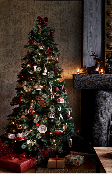 Looking for the star of the show? Shop our wide selection of faux Christmas trees