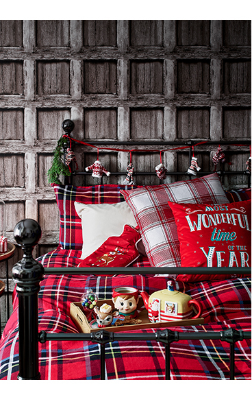Get into the festive spirit with our wonderful range of Christmas bedding