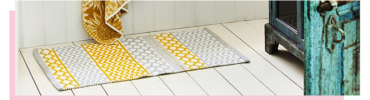 Add a striking feel to the bathroom with our range of bath rugs