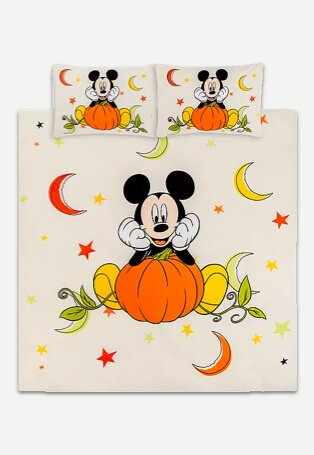 Mickey Mouse halloween duvet cover.