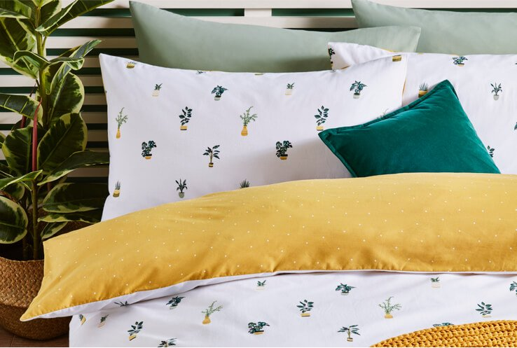 White double bedding with plant pattern