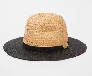 Contrast trim snaffle buckled fedora hat.