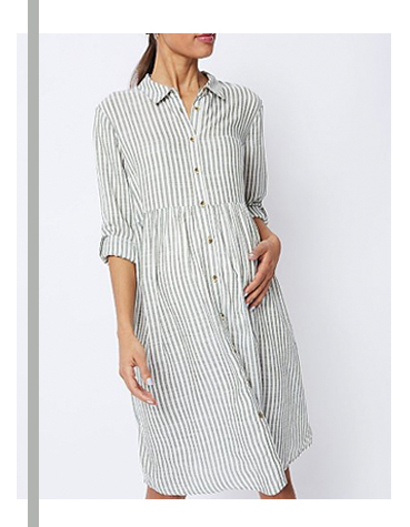 This striped shirt dress has a relaxed fit and lightly pleated body to highlight your shape in complete comfort