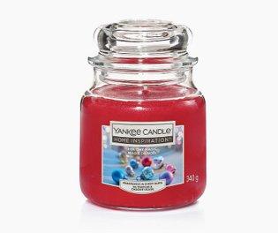 Medium Yankee Candle - Cherry Vanilla.